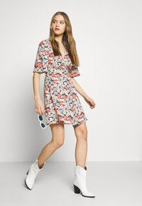 ONLY - ONLHEYDAISY WRAP DRESS - Kjole - night sky - 2