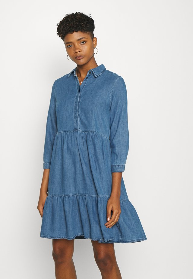 ONLENYA LIFE 3/4 SLEEVE - Denim dress - medium blue denim