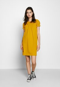 ONLY - ONLVANNA DRESS - Žerzejové šaty - golden yellow - 2