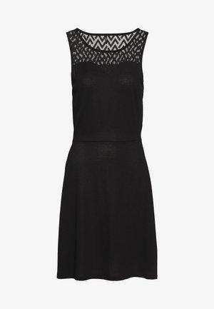 ONLNEW NICOLE LIFE DRESS - Denní šaty - black