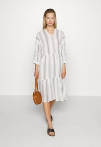 ONLY - ONLDORRIE MIDI DRESS - Korte jurk - cloud dancer/black - 1