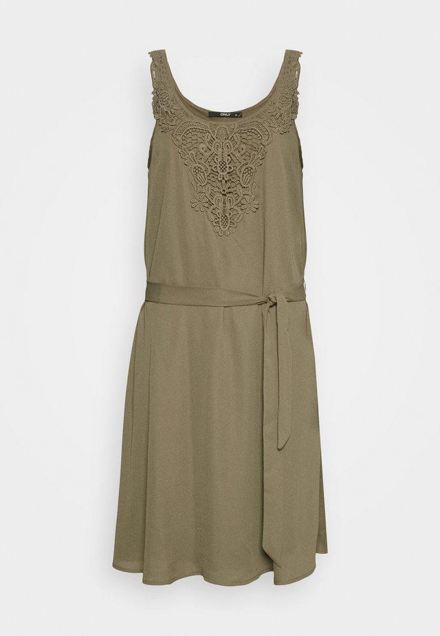 ONLBEVERLY ABOVE KNEE DRESS  - Korte jurk - kalamata