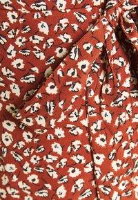 ONLY - Korte jurk - henna - 2