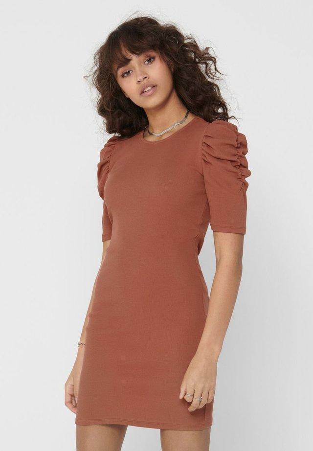 PUFFÄRMEL - Vestido de tubo - copper brown