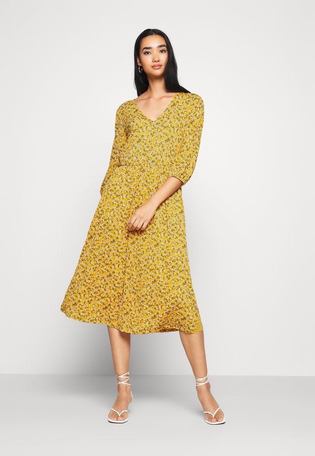 ONLPELLA DRESS - Vestido informal - golden yellow