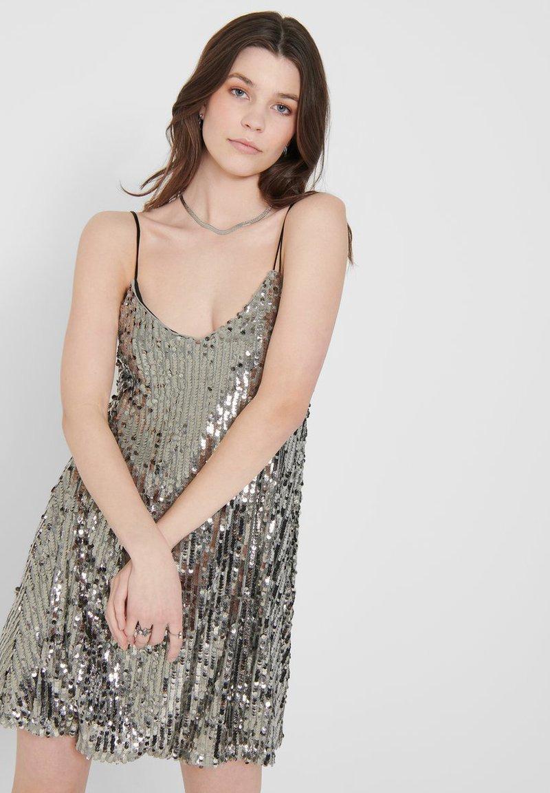 PAILLETTEN - Cocktailkleid/festliches Kleid - silver