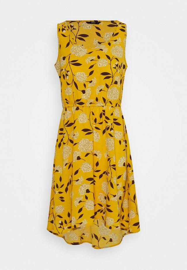 ONLNOVA LUX SARA DRESS - Robe d'été - golden yellow/white