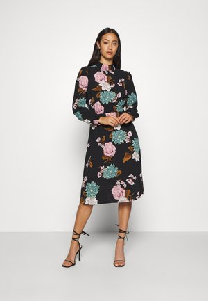 ONLNOVA LUX SMOCK BELOW KNEE DRESS - Denní šaty - black