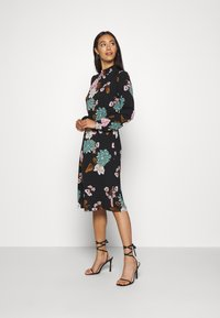 ONLY - ONLNOVA LUX SMOCK BELOW KNEE DRESS - Korte jurk - black - 1