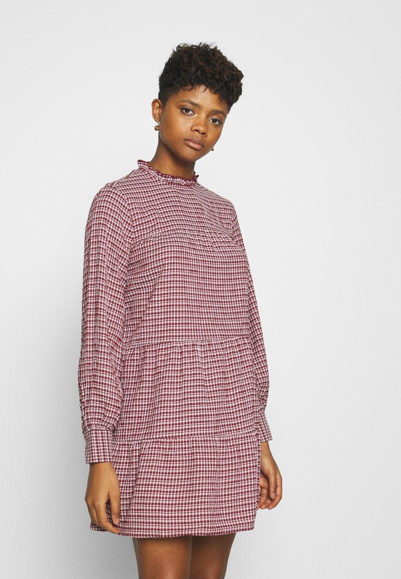 ONLY - ONLCAROLE LIFE DRESS  - Vestido informal - pomegranate