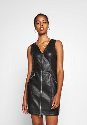 ONLSARAH DRESS - Pouzdrové šaty - black
