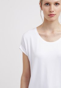 ONLY - ONLMOSTER - T-shirt basique - white - 5