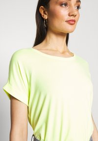 ONLY - ONLMOSTER - T-shirts - neon yellow - 4