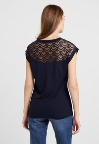 ONLY - T-shirt con stampa - night sky - 2
