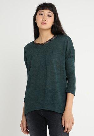 ONLSMIKA PLANET 3/4 O NECK  - Jersey de punto - green gables/black