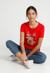 ONLY - ONLCHRISTMAS BLING BOX - Print T-shirt - goji berry - 1