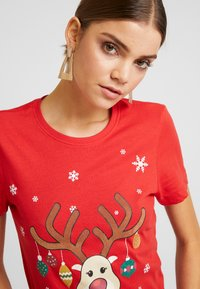 ONLY - ONLCHRISTMAS BLING BOX - T-shirts med print - goji berry - 3