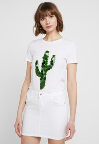 ONLY - T-shirt con stampa - bright white - 0