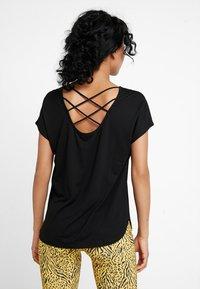 ONLY - ONLMIMI - T-shirt med print - black - 2
