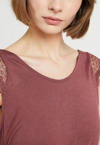 ONLY - ADELINA - Camiseta estampada - wild ginger - 3
