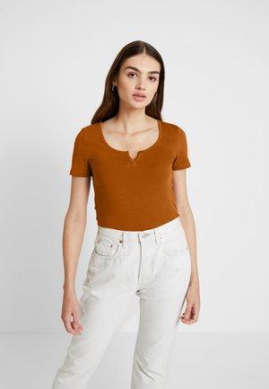 ONLBELLA PLACKET - T-shirt print - sugar almond