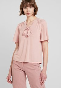 ONLY - ONLSISSY BOW - T-shirt print - misty rose - 0