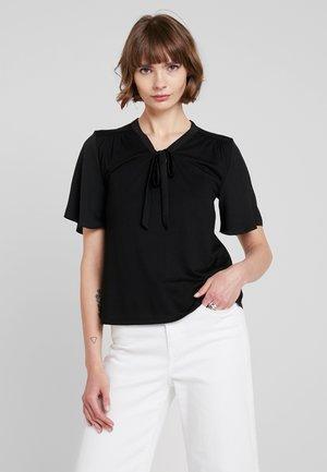 ONLSISSY BOW - Print T-shirt - black