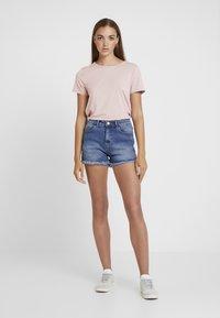 ONLY - ONLMOSTER STRING - T-Shirt print - pale mauve - 1