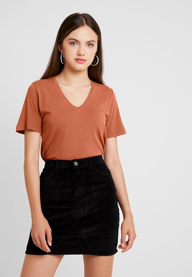 ONLY - ONLONE  V NECK - T-Shirt basic - ginger bread