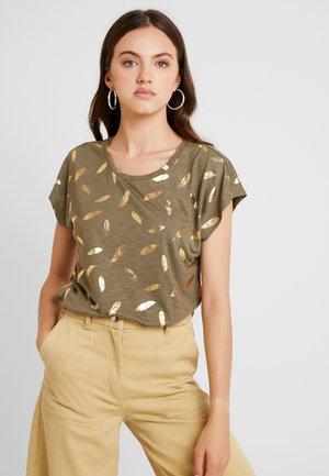 ONLFEATHER - T-shirt print - kalamata/gold