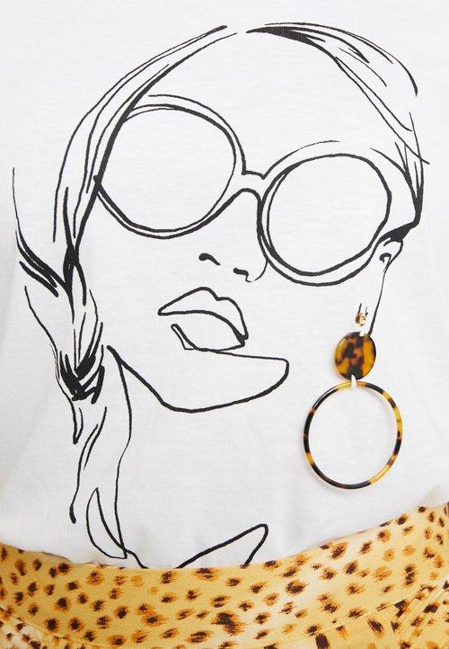 ONLY ONLSANDY BOXY BOX - T-shirt z nadrukiem - bright white Koszulki i Topy ONZQ-HT6 trwałe modelowanie