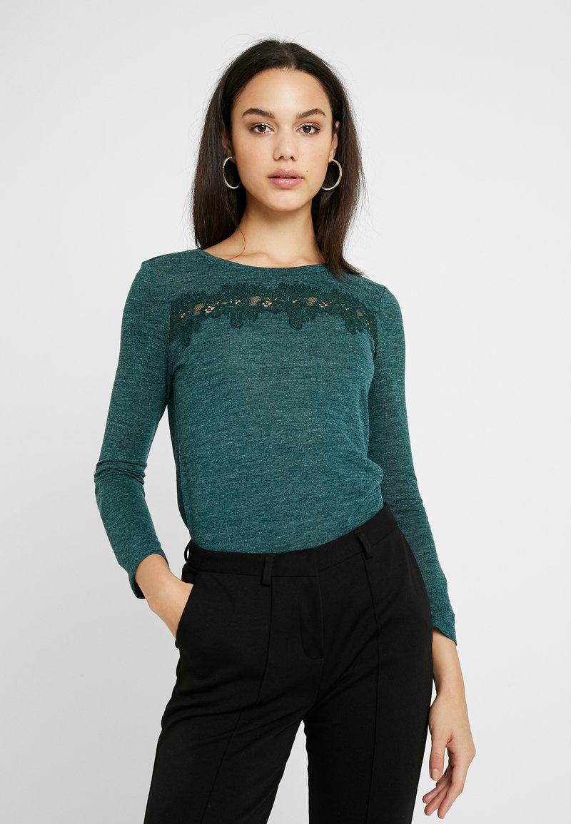 ONLY - ONLCAMERA - T-shirt à manches longues - ponderosa pine