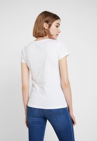 ONLY - ONLPACEY - T-shirts print - bright white - 2