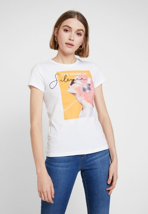 ONLPACEY - T-shirts med print - bright white
