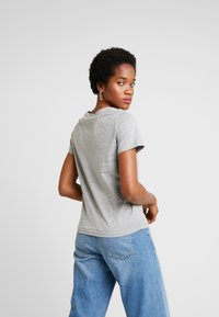ONLY - ONLDISNEY FIT XMAS TOP BOX CO  - T-shirt z nadrukiem - light grey melange/joy - 2