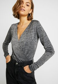 ONLY - ONLADELE  - Long sleeved top - black/silver - 4