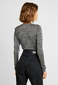 ONLY - ONLADELE  - Long sleeved top - black/silver - 2
