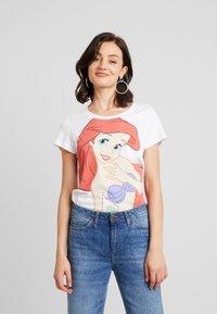 ONLY - ONLDISNEY MIX - T-shirt z nadrukiem - white - 0