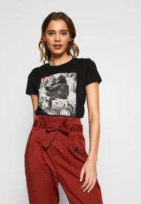 ONLY - ONLFLIFE - Print T-shirt - black - 0