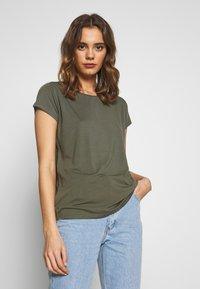 ONLY - ONLGRACE  - Basic T-shirt - kalamata - 0