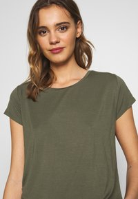 ONLY - ONLGRACE  - Basic T-shirt - kalamata - 4