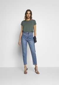 ONLY - ONLGRACE  - T-shirt basic - balsam green - 1