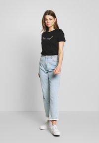 ONLY - ONLKITA LIFE BEE BOX - Print T-shirt - black - 1