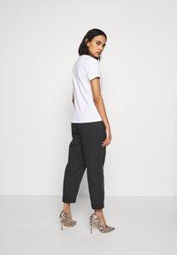 ONLY - ONLGITA REG BOX - Print T-shirt - bright white - 2