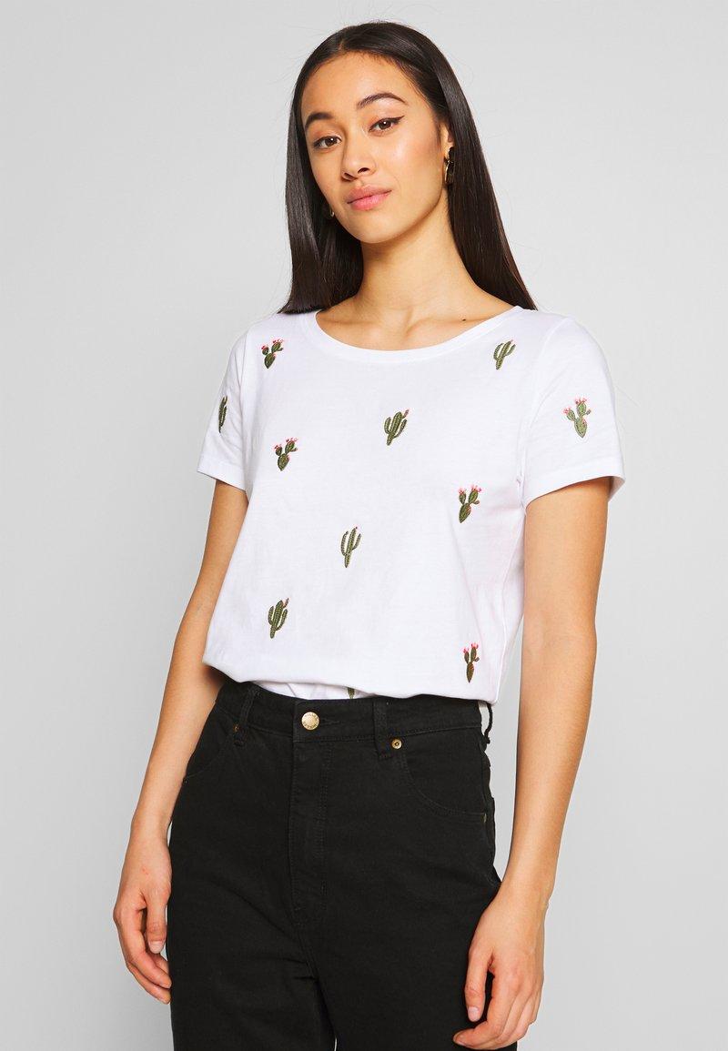 ONLY - ONLKITA BOOSTER - Print T-shirt - white/cactus