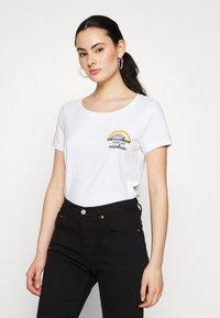 ONLY - ONLKITA BOOSTER - Print T-shirt - white - 0