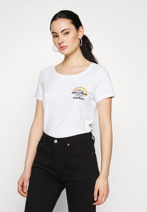 ONLKITA BOOSTER - Print T-shirt - white
