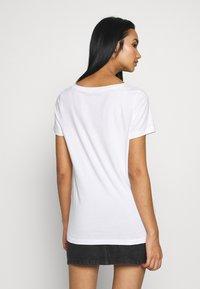 ONLY - ONLKITA BOOSTER - Print T-shirt - white - 2