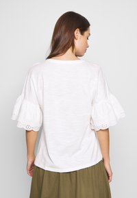 ONLY - ONLCELINA LIFE  - T-Shirt basic - cloud dancer - 2