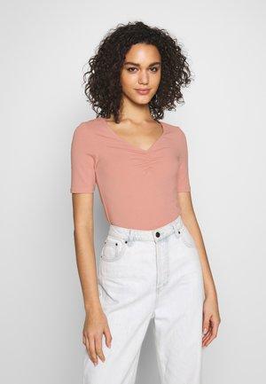 ONLSALLY  V NECK - T-shirts - misty rose